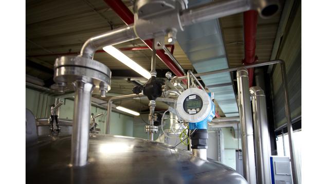 Prosonic FMU40 для химической отрасли